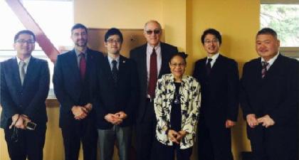 Teresa Branch副学長(写真左から5番目)と熊本大学訪問団